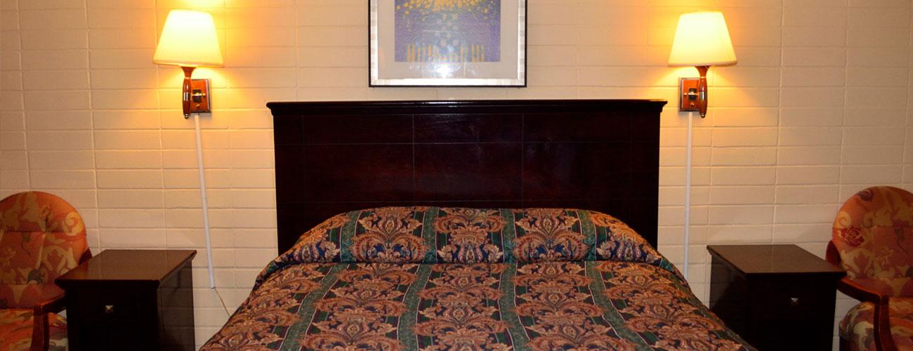 Beautiful Queen Bed Room